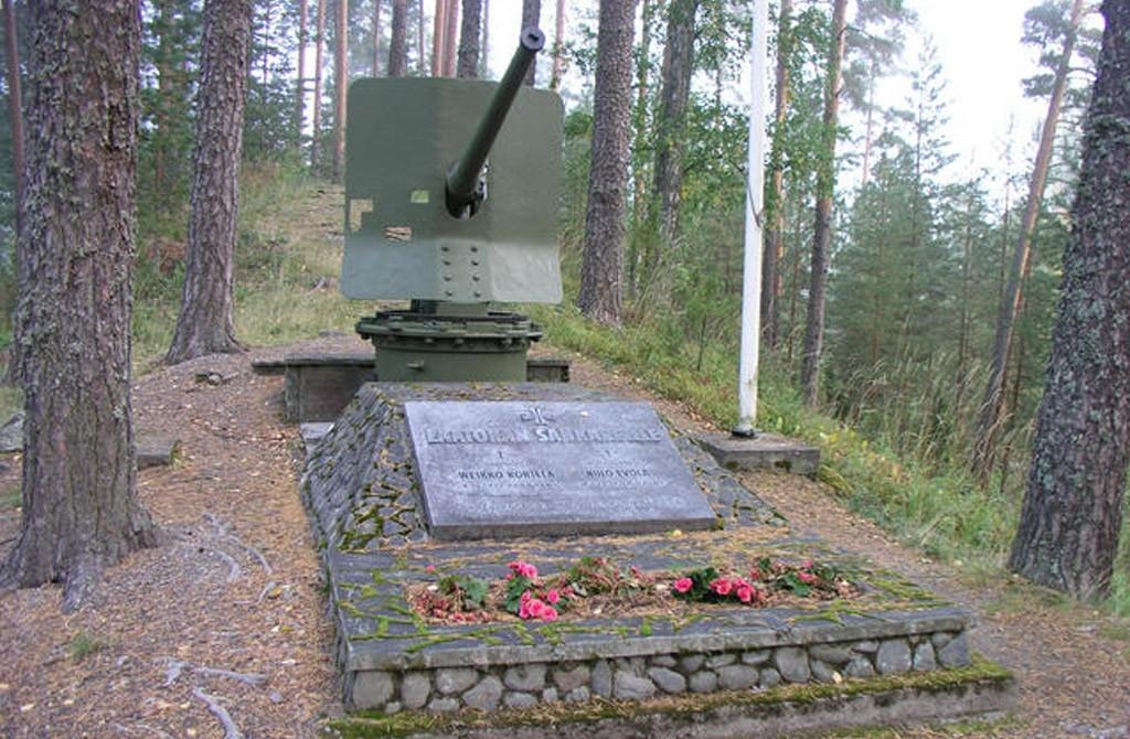 Muistomerkit Visitparikkala Fi
